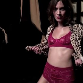 Alexa Chung sexy pic