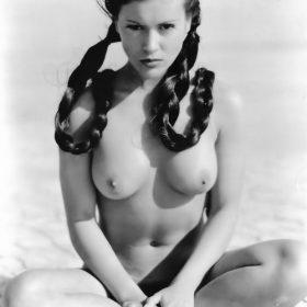 nude pics of Alyssa Milano