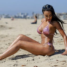 Analicia Chaves nipples exposed
