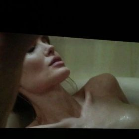 Angelina Jolie pussy showing