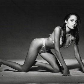 Angelina Jolie fappening leak