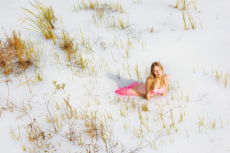 Anna Ewers nude pic