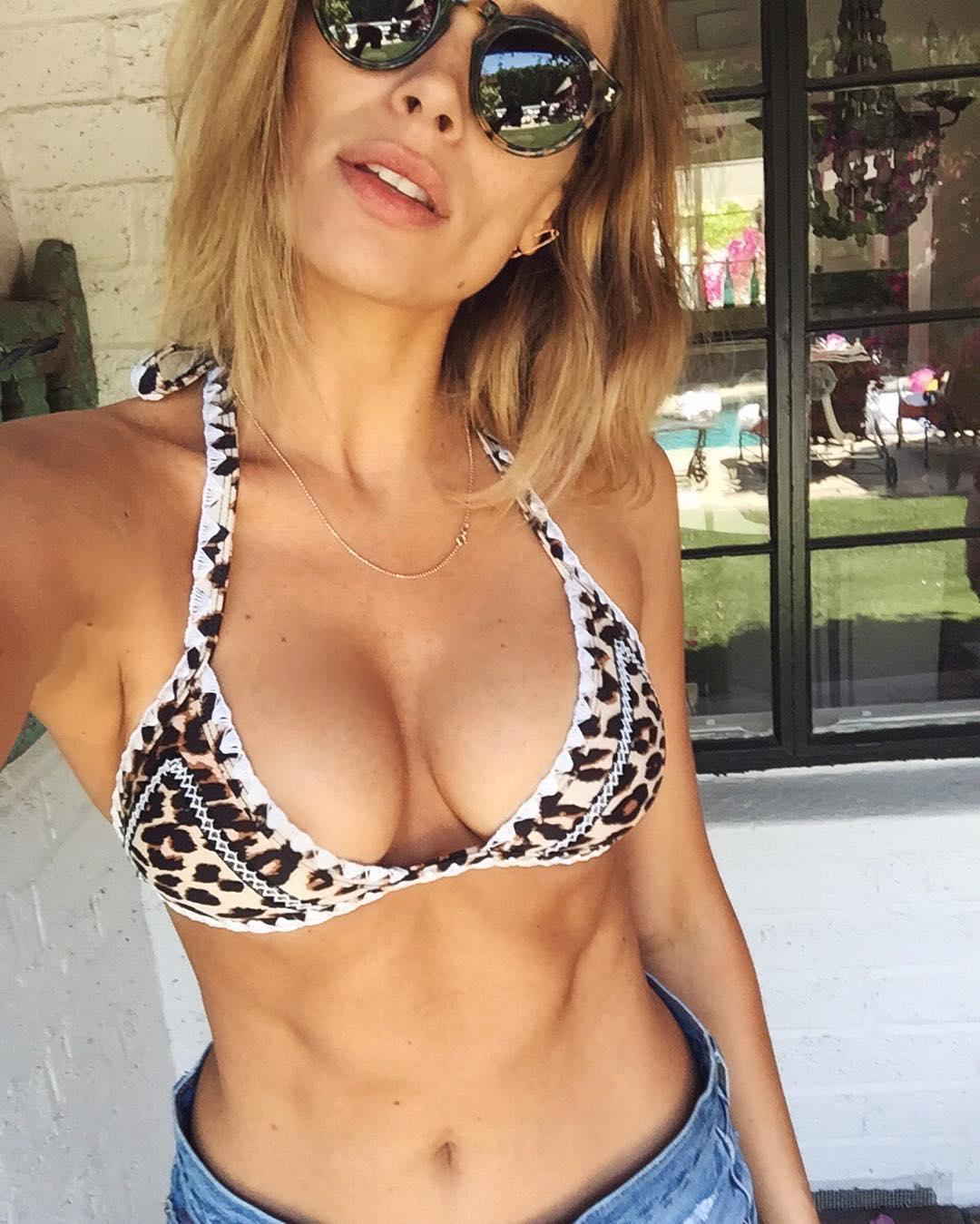 Arielle Vandenberg leaked naked pics