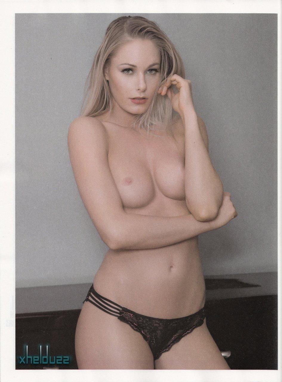 Barbara Islas hot boobs