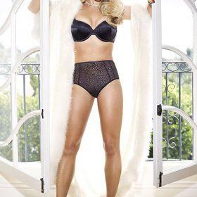 Britney Spears slip