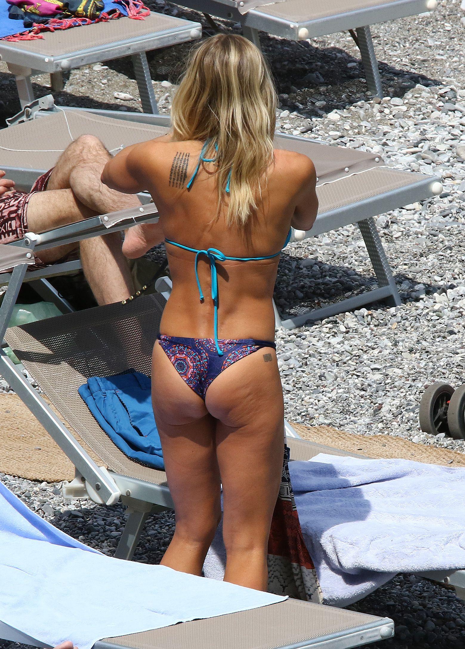 Brittany Daniel sexy leaks