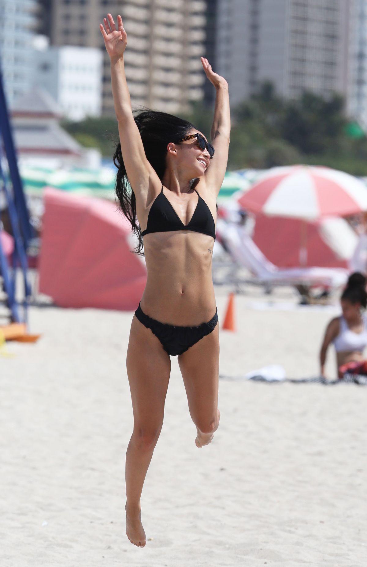Bikini Deborah Joy Winans nude (22 photos) Porno, Facebook, underwear