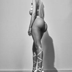 Caroline Trentini booty