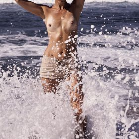 Carolyn Murphy nipples exposed