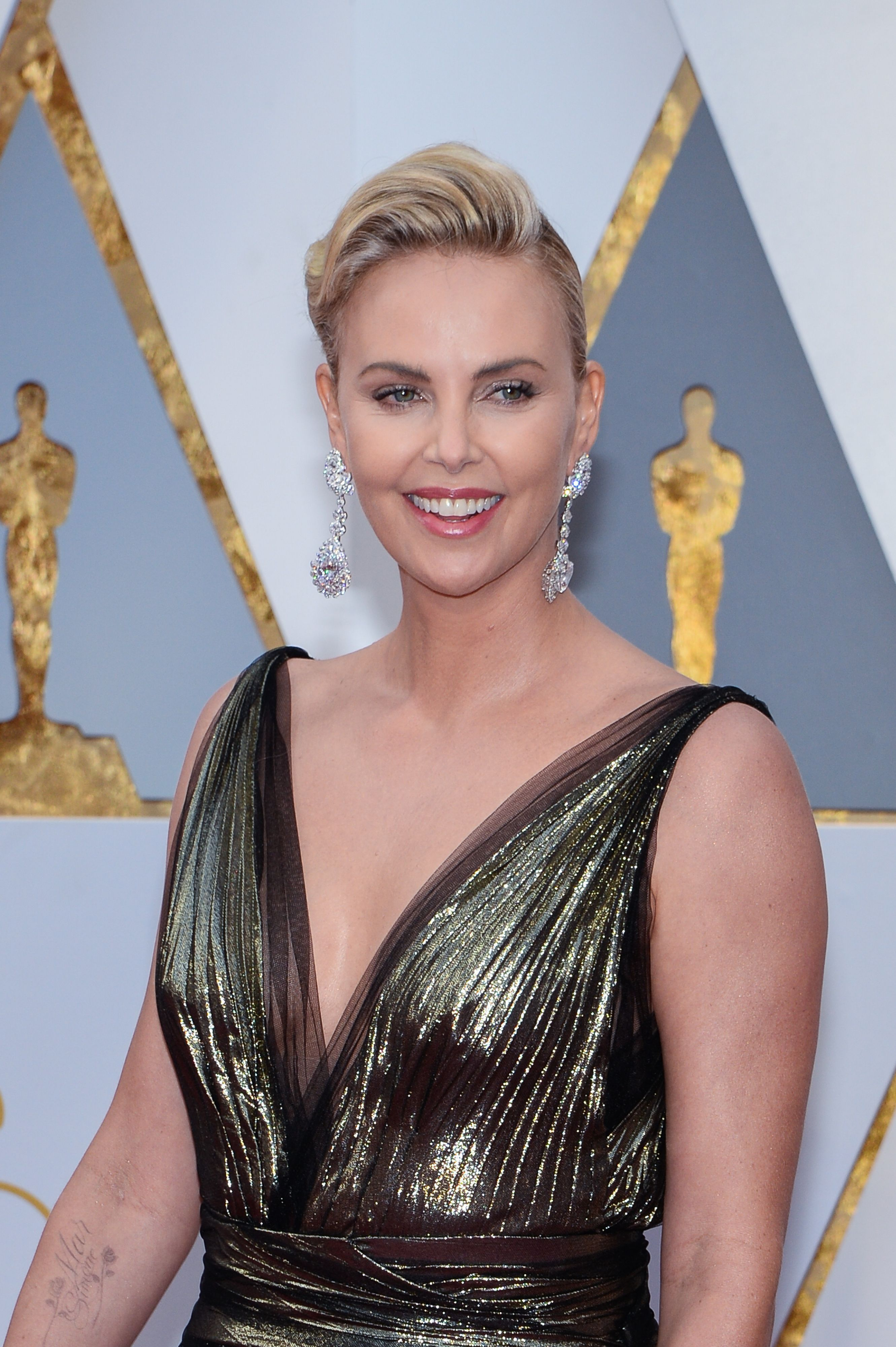 Nude pictures of charlize theron