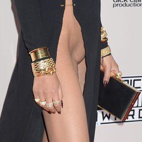 Chrissy Teigen nude pic