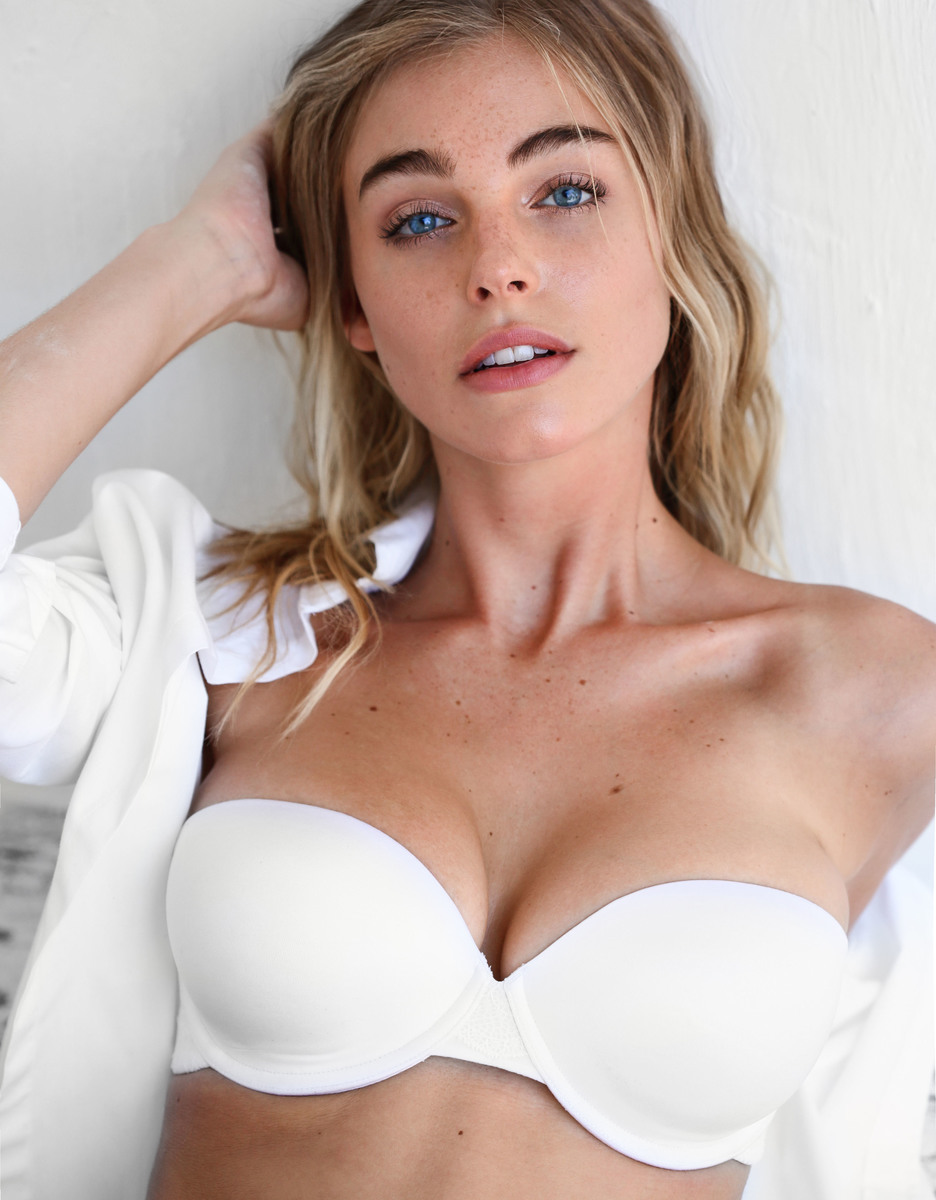 Elizabeth Turner nude boobs