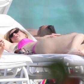 Ellie Goulding hot boobs