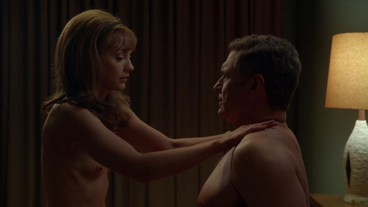 Emily Kinney nude boobs