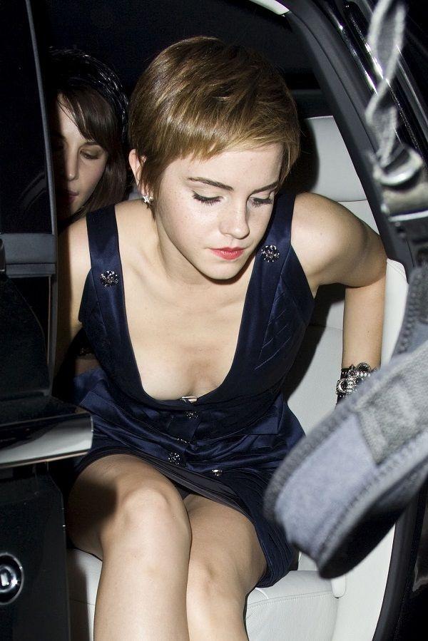 Emma Watson naked boobs
