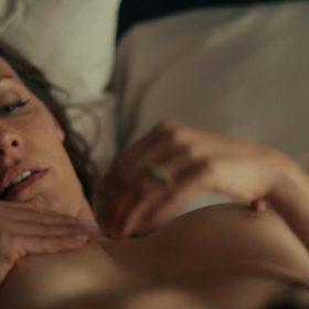 Emmanuelle Chriqui sexy pic