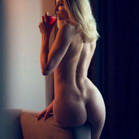 Eniko Mihalik nipples exposed
