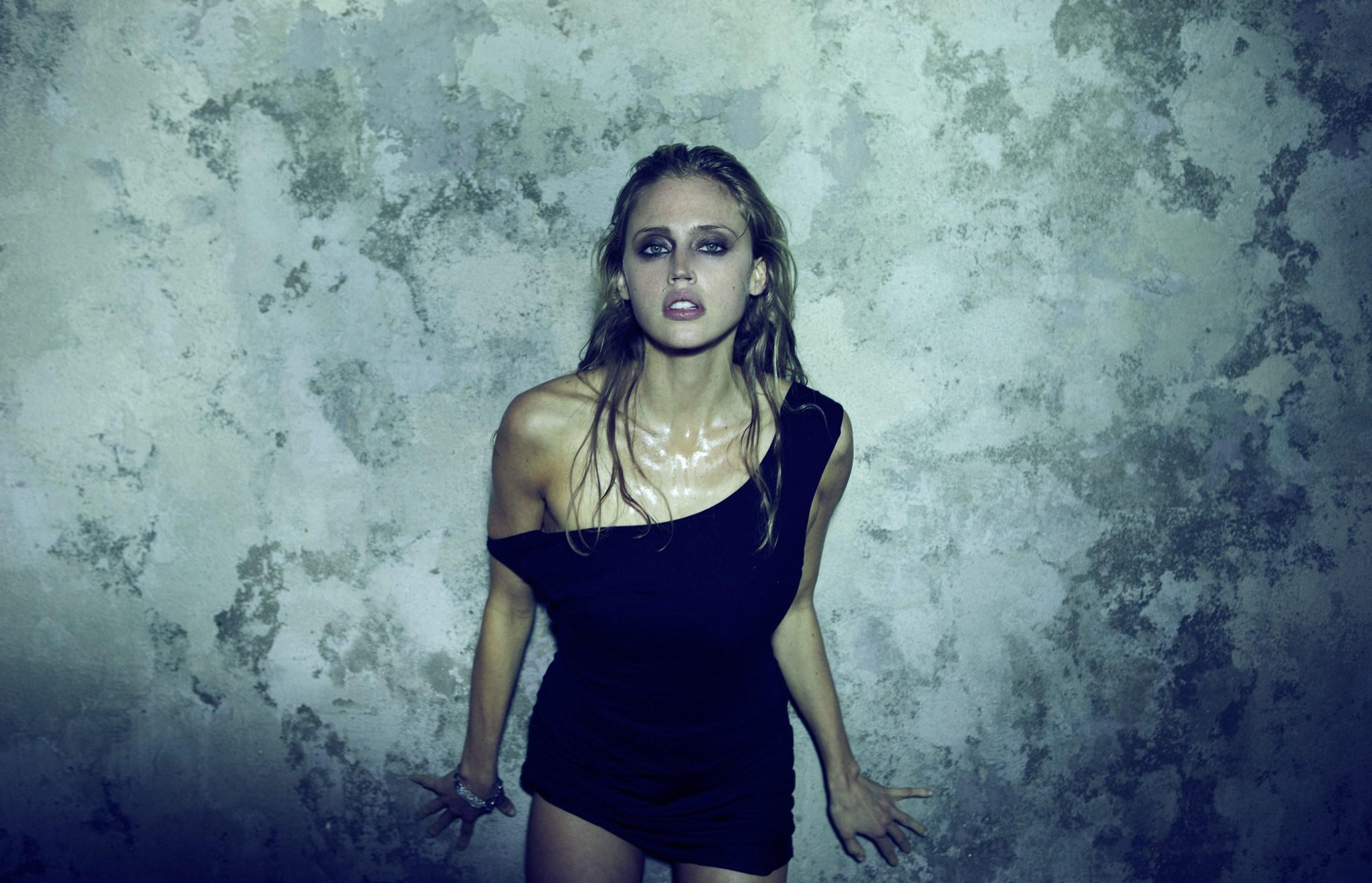nude pics of Estella Warren