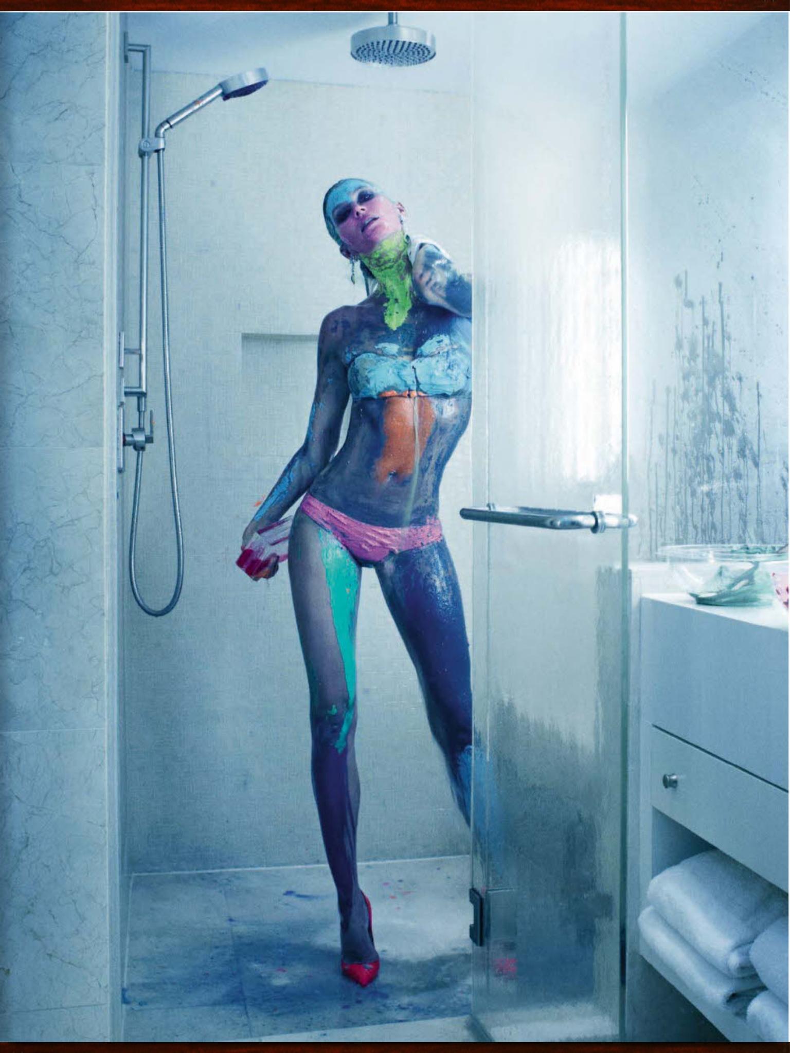 Gisele Bundchen leaked naked pics