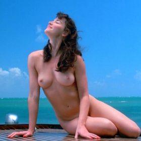 Gretchen Mol boobs