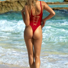 Hailey Clauson sexy nude pic