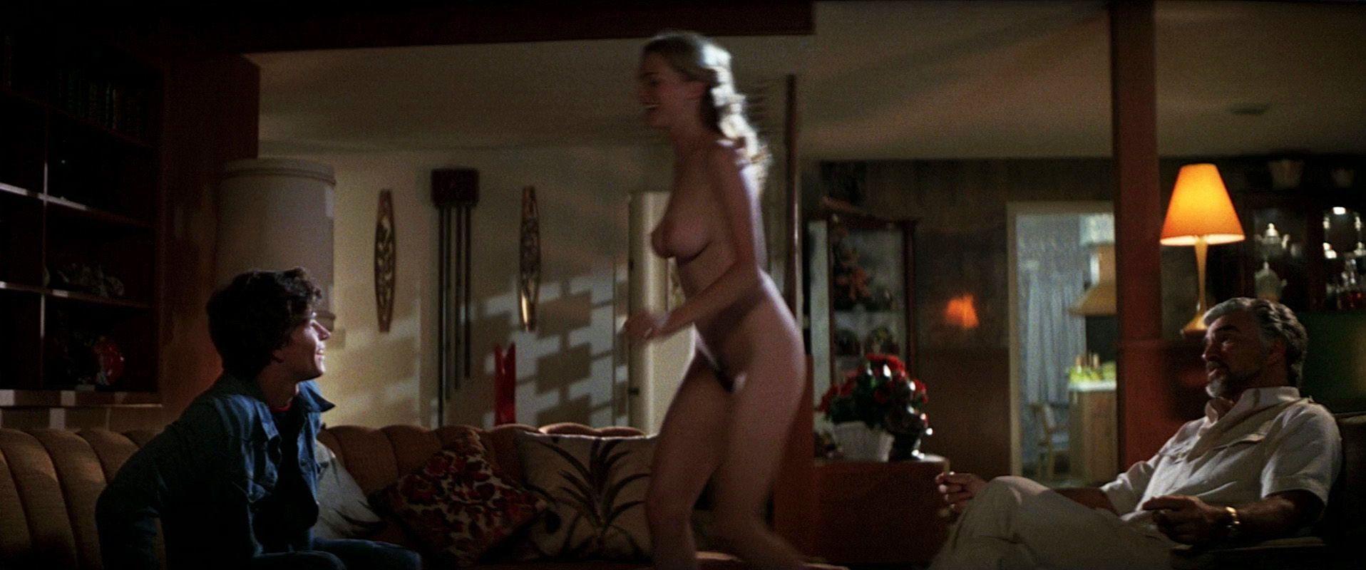 Clip Movie Actress Heather Graham Nude Selfie -9549