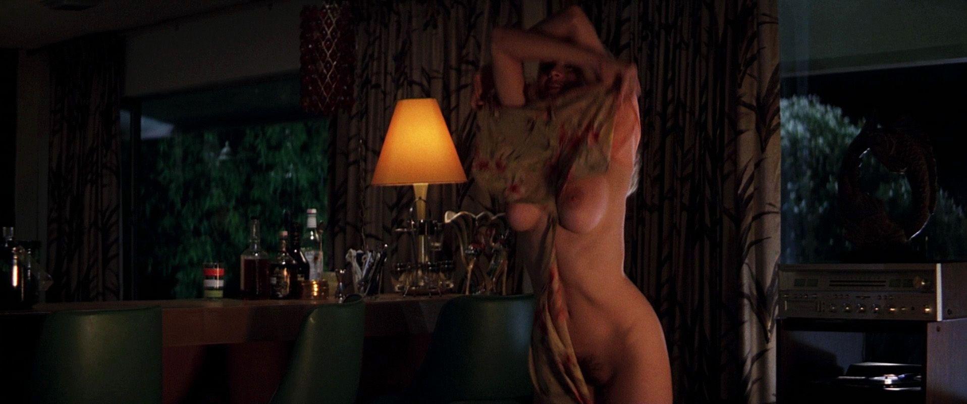 clip movie actress heather graham nude selfie