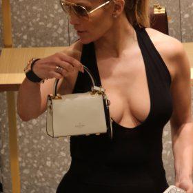 Jennifer Lopez doggystyle