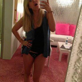 Kaley Cuoco nude pic