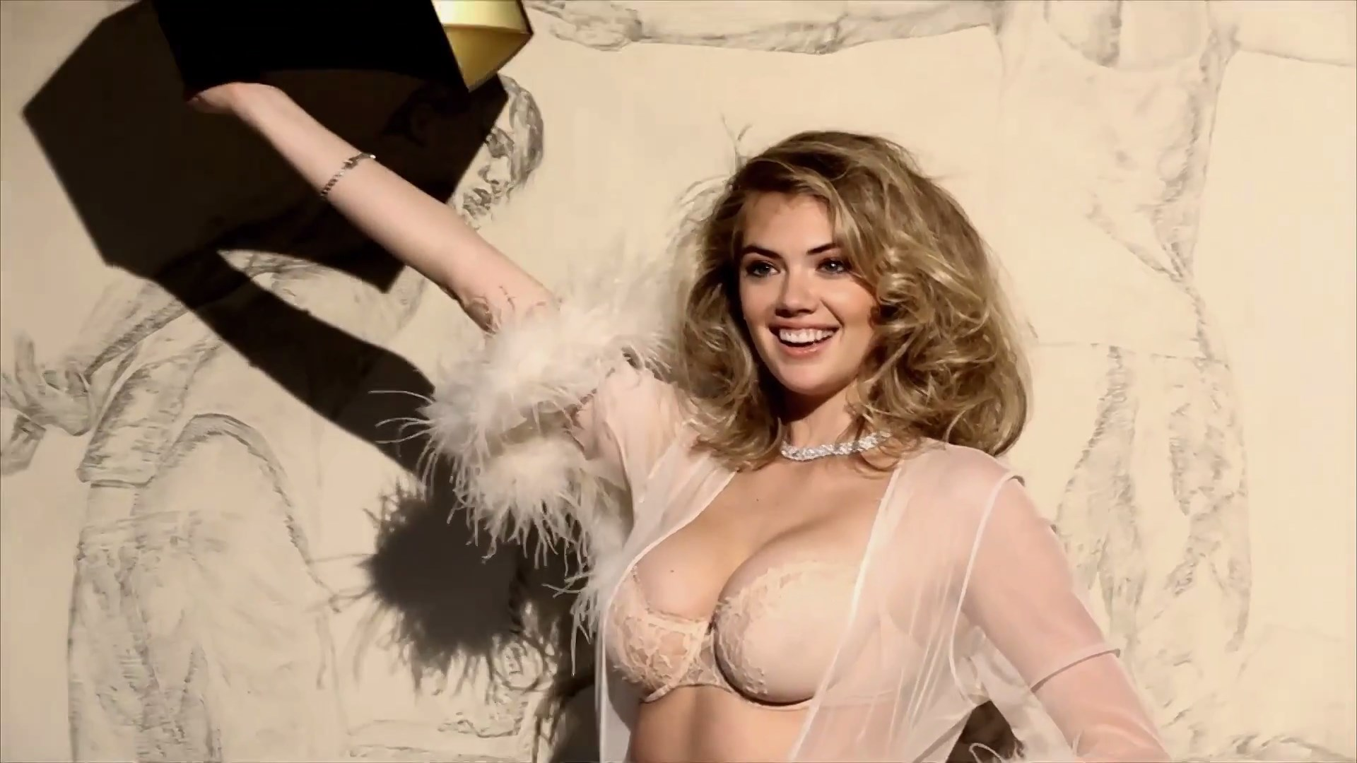 Kate Upton nipples exposed