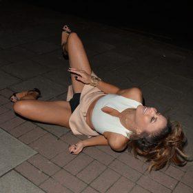 Kayleigh Morris sexy pic