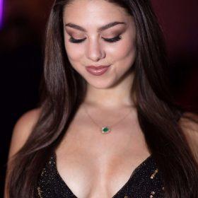 Kira Kosarin shaved pussy