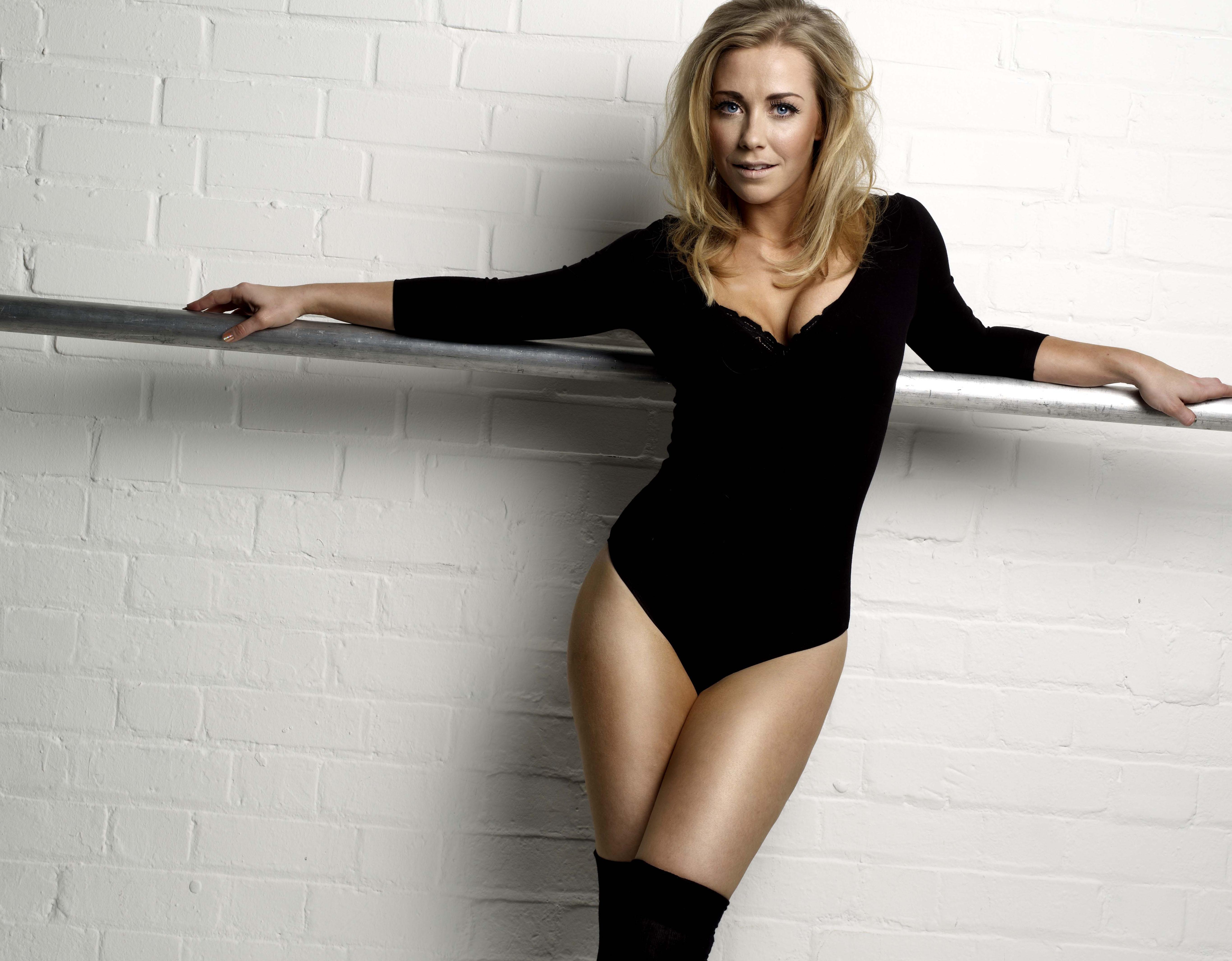 Emma Watson Hypnotized Sex Slave | Free Download Nude