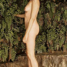 Lela Loren nipples exposed
