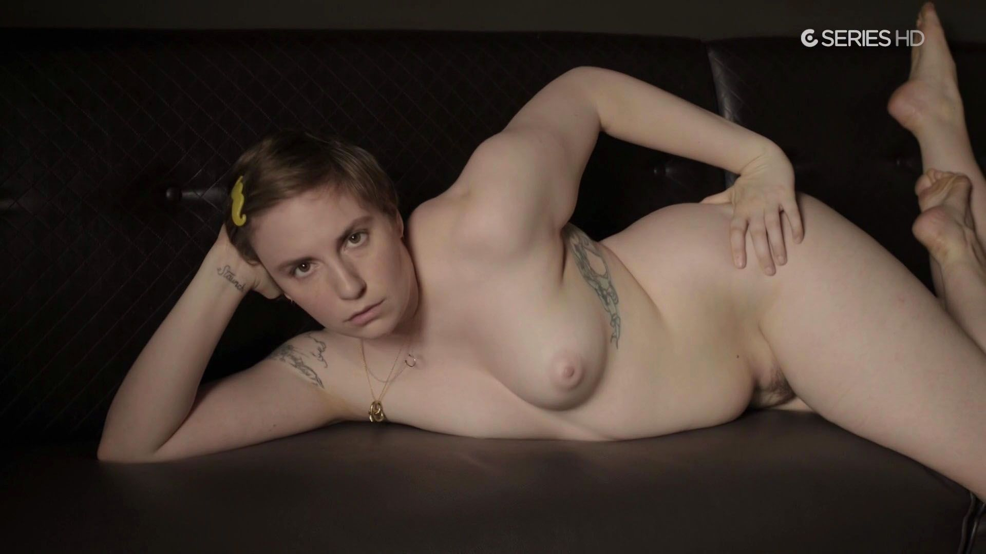 Lena Dunham pussy showing