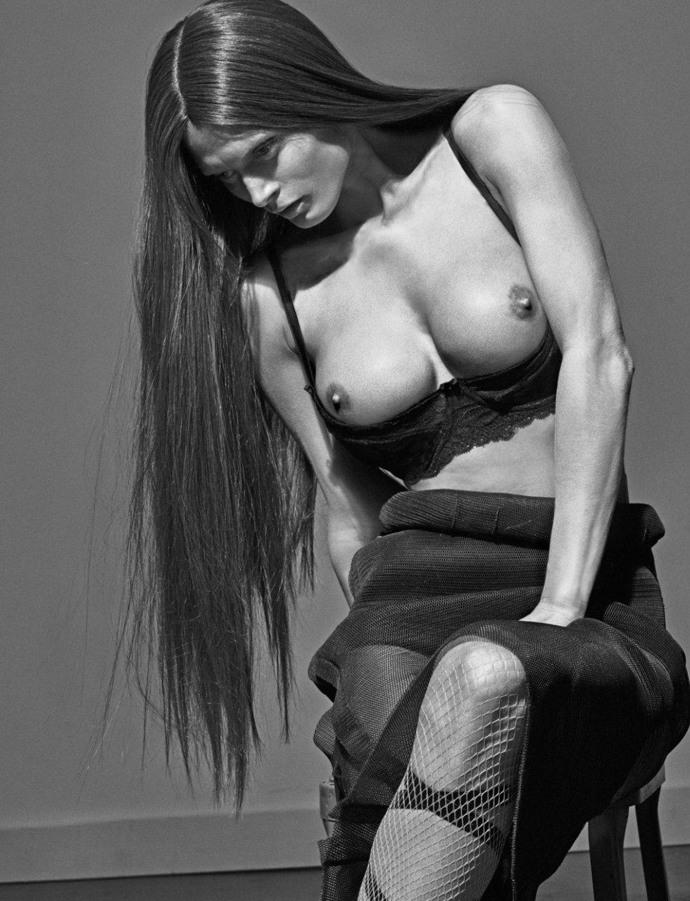 Malgosia Bela nipples exposed