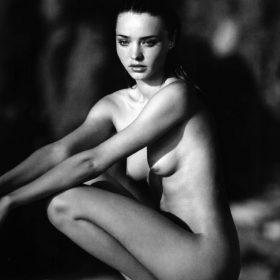 Miranda Kerr naked boobs