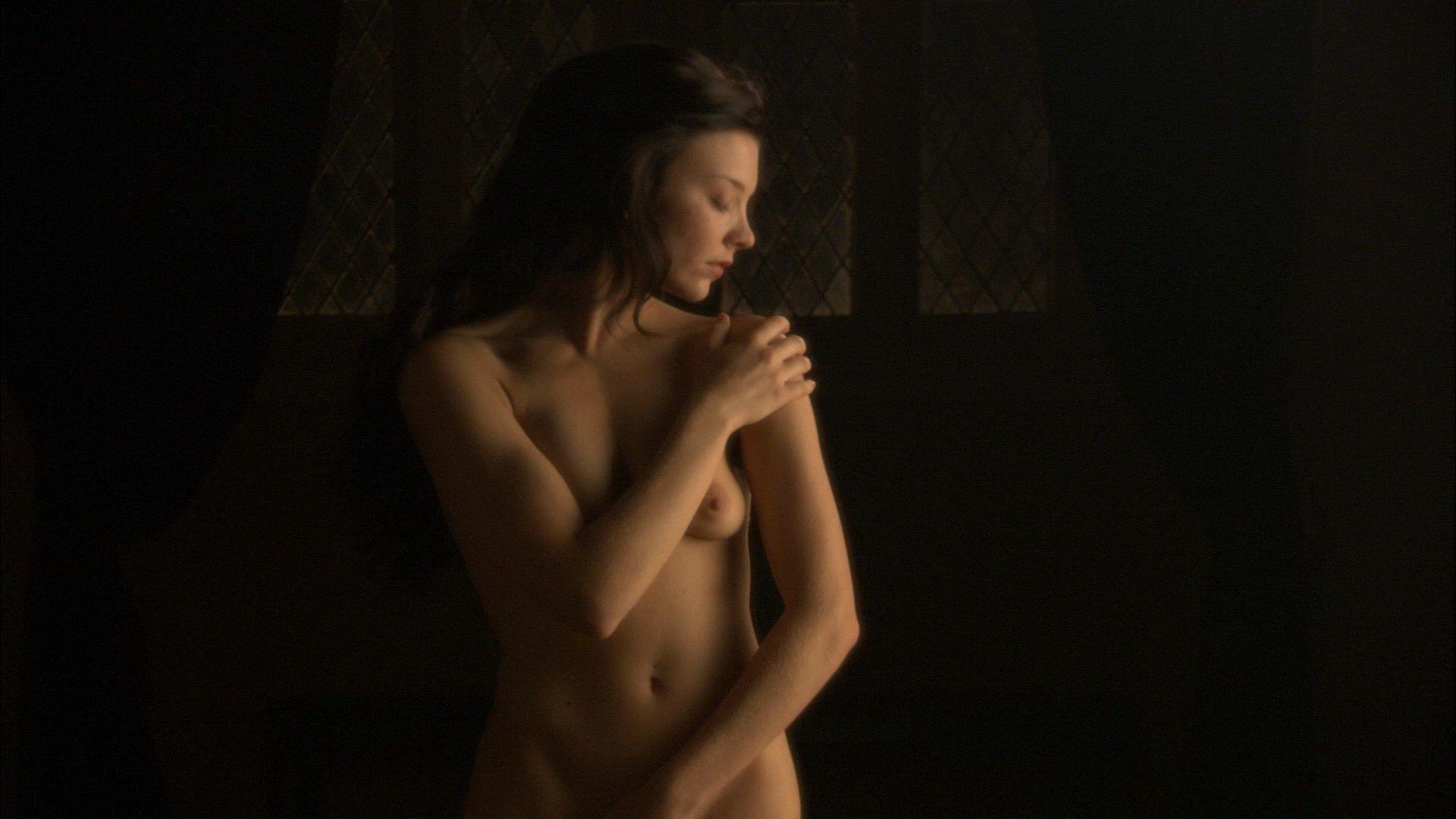 Natalie Dormer sexy leaks