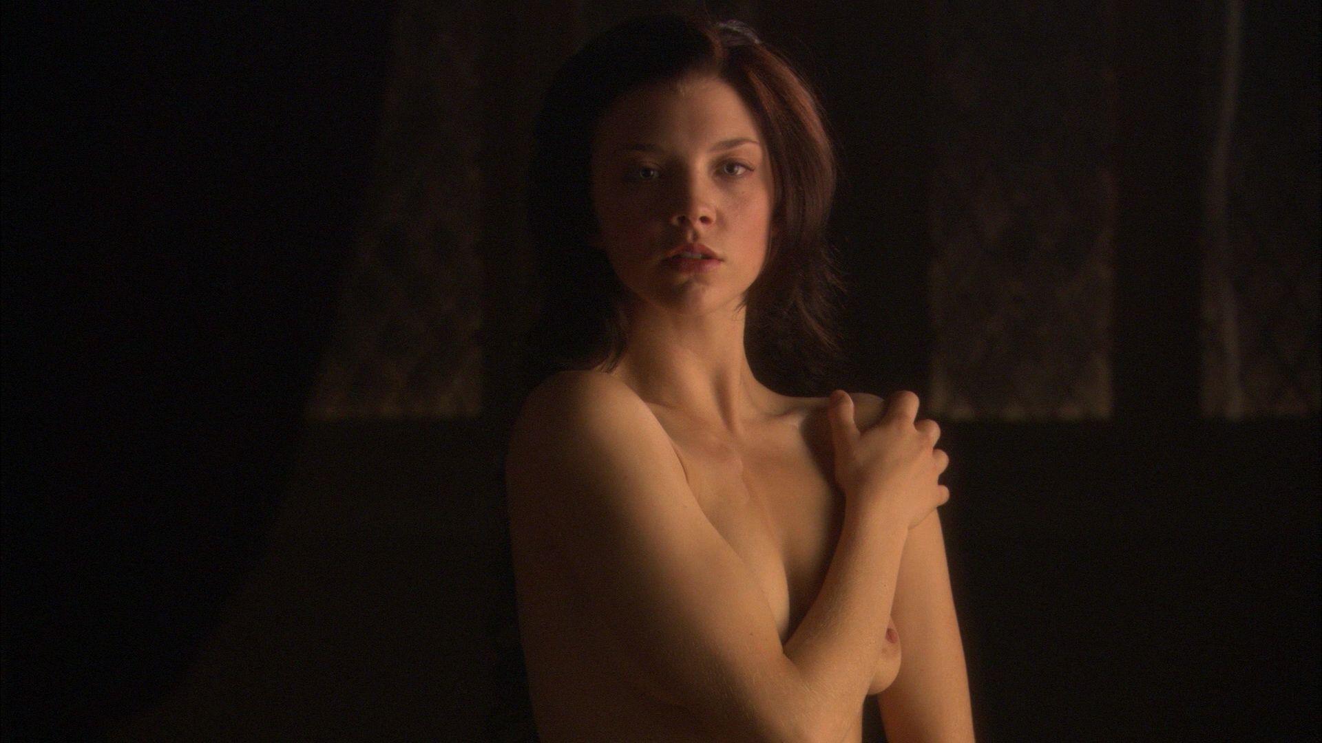 Natalie Dormer booty