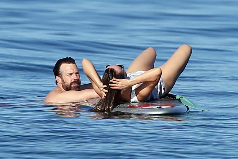 Olivia Wilde nude boobs