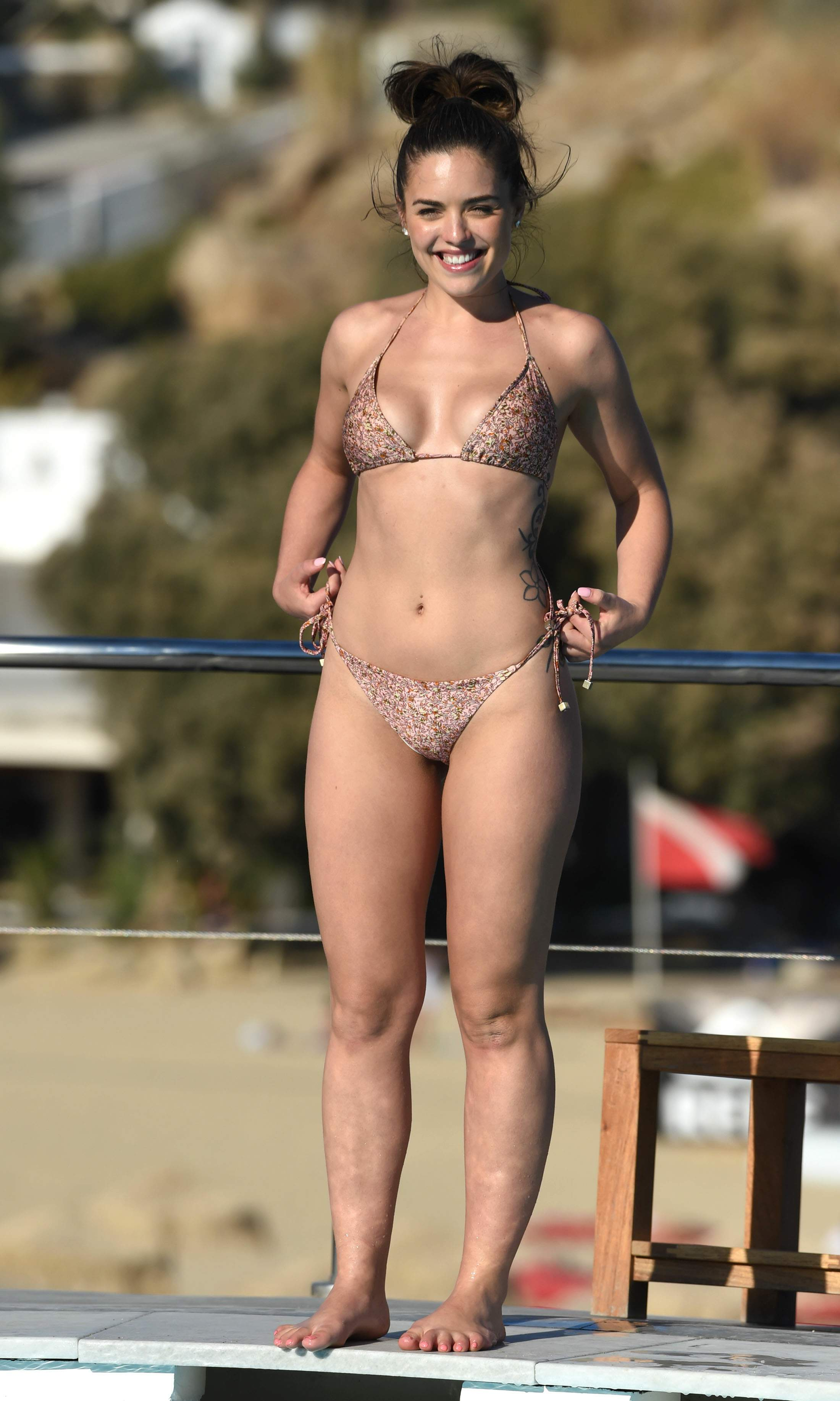 Phew! TV Actress Olympia Valance Booty Pics • Page 3