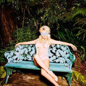 Pamela Anderson sexy nude pic