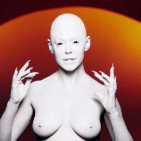 Rose McGowan nude photos