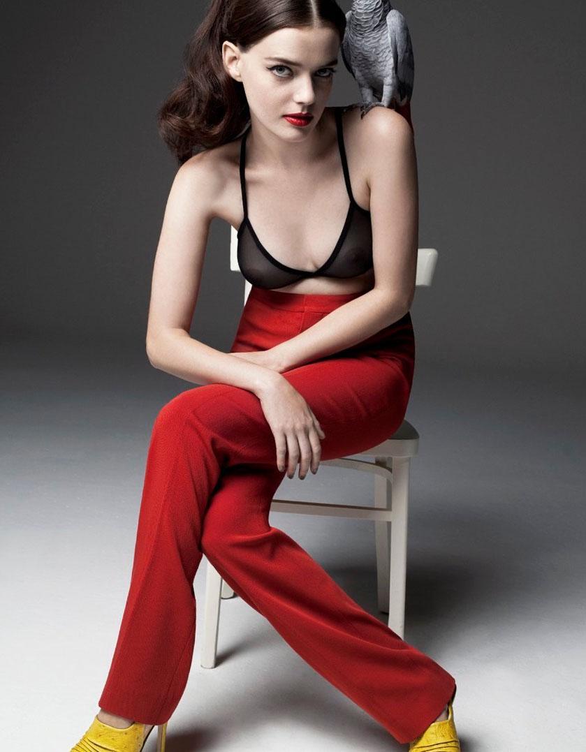 [BEEP] Movie Actress Roxane Mesquida Ass • Fappening Sauce