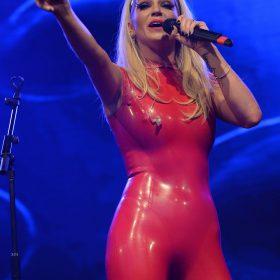Pop Singer sexy