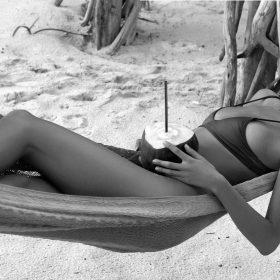Model nude photos