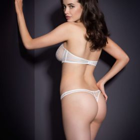 Model booty