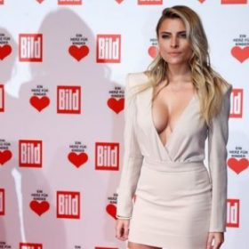 Sophia Thomalla topless