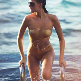 Model hot boobs