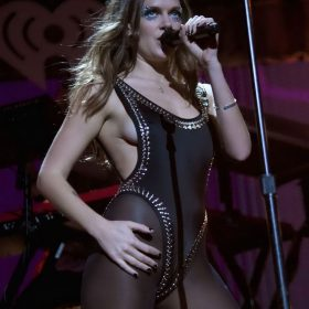 Pop Singer slip